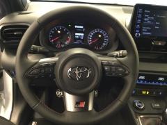 Toyota-Yaris-8